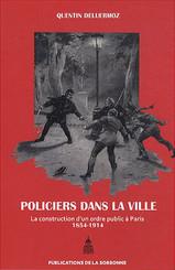 Policiers dans la ville